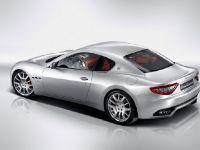 Maserati Gran Turismo , 2 of 3