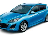 Mazda Axela Sport 20S Navi Edition, 1 of 2