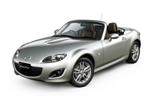 Mazda запускает обновленный Roadster в Японии