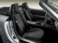 Mazda Roadster VS RHT, 2 of 6