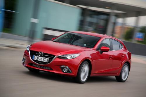 Mazda3 Седан С Общественными Премьера Во Франкфурте