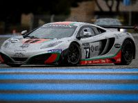 McLaren MP4-12C GT3 at the race track, 1 of 7