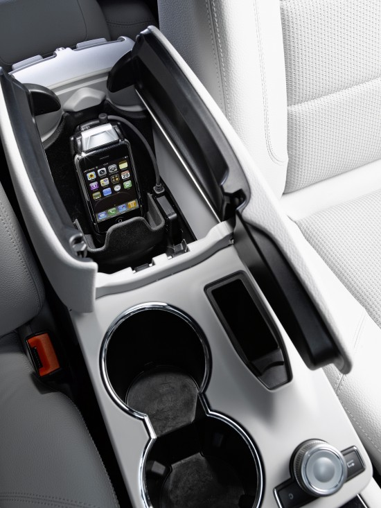 Mercedes-Benz iphone connection