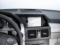 Mercedes-Benz makes in-car iPhone connection, 5 of 7