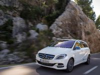 Mercedes-Benz B-Class Electric Drive, 2 of 7