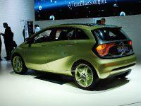 thumbnail image of Mercedes-Benz BlueZERO concept Detroit 2009