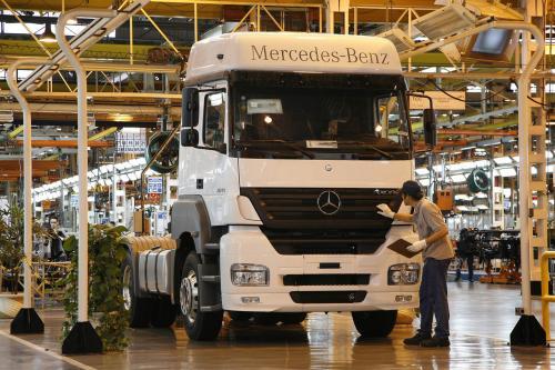 Mercedes-Benz бьет Бразильский рекорд продаж тяжелых грузовиков