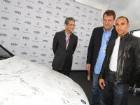 Mercedes-Benz presents a C 350 - autographed by international stars, 1 of 4