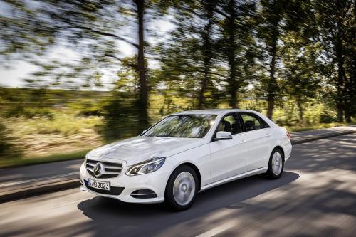 Mercedes-Benz E200 Natural Gas Drive [смотрите фотографии]
