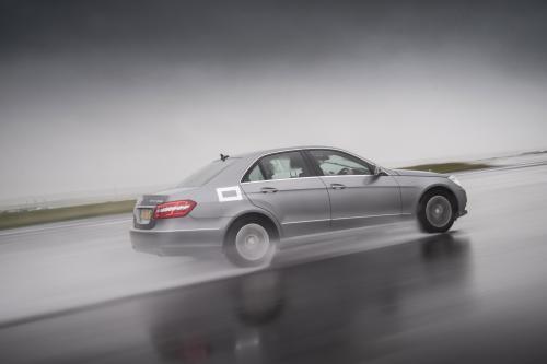 Mercedes-Benz E 300 BlueTEC Hybrid - 4,2 л/100 км и 109 г/км CO2