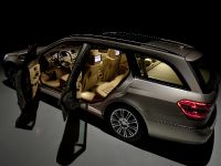 Mercedes-Benz E-Class Estate, 18 of 49