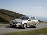 Mercedes-Benz E-Class Estate, 44 of 49
