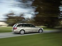 Mercedes-Benz E-Class Estate, 42 of 49