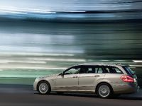 Mercedes-Benz E-Class Estate, 35 of 49