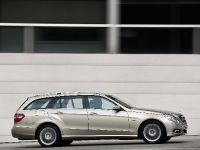 Mercedes-Benz E-Class Estate, 34 of 49