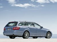 Mercedes-Benz E-Class Estate, 26 of 49