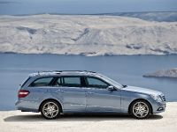 Mercedes-Benz E-Class Estate, 25 of 49