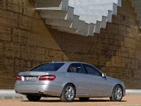 Mercedes-Benz E-Class, 4 of 36