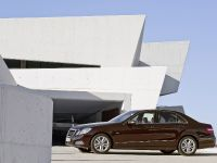 Mercedes-Benz E-Class, 10 of 36