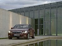 Mercedes-Benz E-Class, 18 of 36