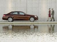 Mercedes-Benz E-Class, 24 of 36