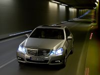 Mercedes-Benz E-Class, 27 of 36