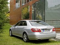Mercedes-Benz E-Class, 31 of 36