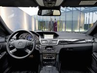 Mercedes-Benz E-Class, 32 of 36