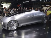 thumbnail image of Mercedes-Benz F 015 Luxury in Motion Detroit 2015