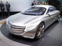 thumbnail image of Mercedes-Benz F 125 research vehicle Frankfurt 2011