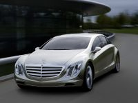 thumbnail image of Mercedes-Benz F700