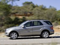 Mercedes-Benz ML 350 BlueTEC, 2 of 4
