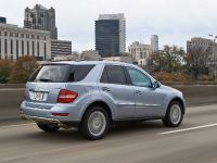 Mercedes-Benz ML 450 HYBRID, 25 of 27