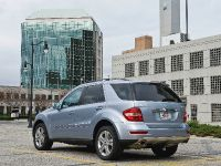 Mercedes-Benz ML 450 HYBRID, 22 of 27