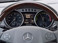 Mercedes-Benz ML 450 HYBRID, 19 of 27