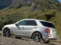 Mercedes-Benz ML 63 AMG 10th Anniversary, 13 of 20