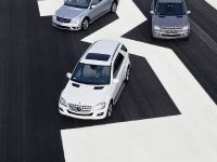 Mercedes-Benz R, ML, and GL 320 BlueTEC, 15 of 20