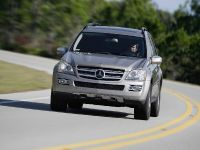 Mercedes-Benz R, ML, and GL 320 BlueTEC, 2 of 20