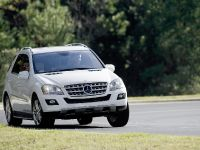 Mercedes-Benz R, ML, and GL 320 BlueTEC, 6 of 20