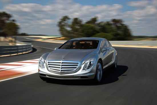 Mercedes-Benz F 700 Road to the Future