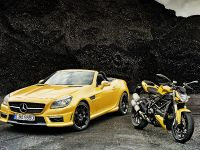Mercedes-Benz SLK 55 AMG and Ducati Streetfighter 848, 1 of 4