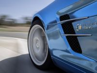 Mercedes-Benz SLS AMG Coupe Electric Drive, 2 of 5