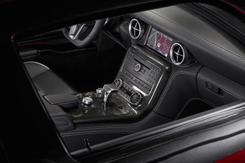 Mercedes-Benz SLS AMG Interior (2010) - picture 9 of 9