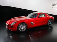 thumbnail image of Mercedes-Benz SLS Gullwing Frankfurt 2009