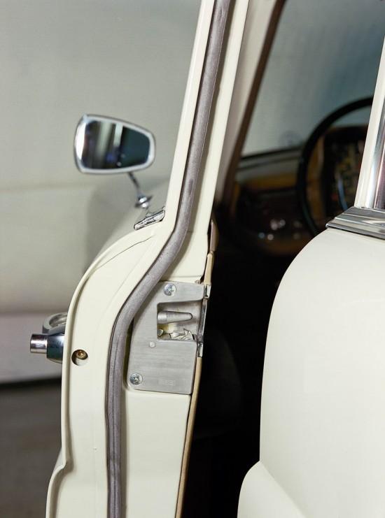 Mercedes-Benz Wedge Pin Door Lock