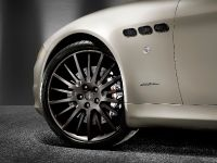thumbnail image of Meserati Quattroporte Sport GT S Awards Edition