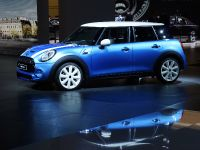 thumbnail image of MINI 5 Door Paris 2014