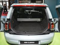 thumbnail image of MINI Clubvan Paris 2012