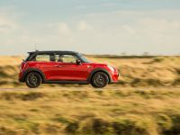 MINI Cooper D Hatch, 9 of 17