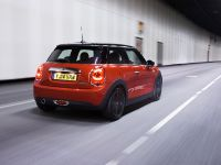 MINI Cooper D Hatch, 13 of 17